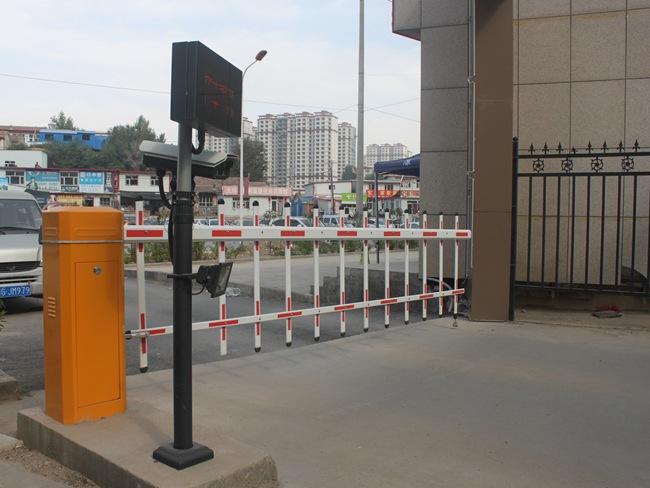 银河湾小区智慧停车场及小区亮化 (3)